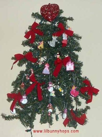 Wall Hanging Christmas Tree — Z88.3 FM